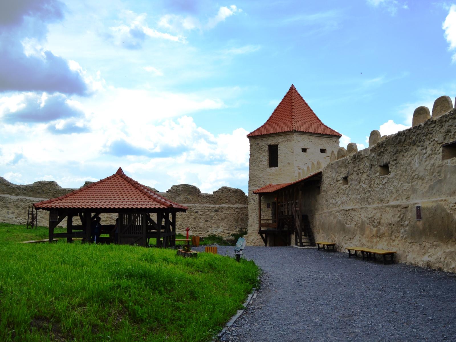 Cetatea Rupea 2