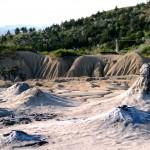 Vulcanii Noroiosi 150x150 - 5 idei de călătorie pentru 1 mai