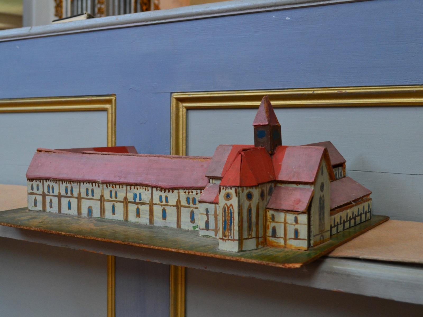 Mănăstirea Cârța 7
