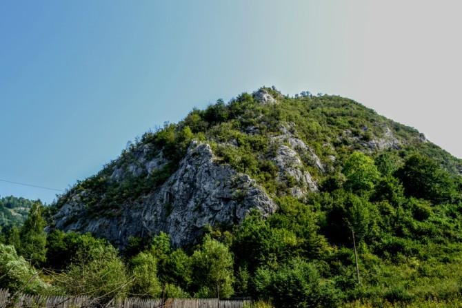 Peștera Bolii 12 - Cheile Băniţei - spectacol calcaros în Munţii Şureanu
