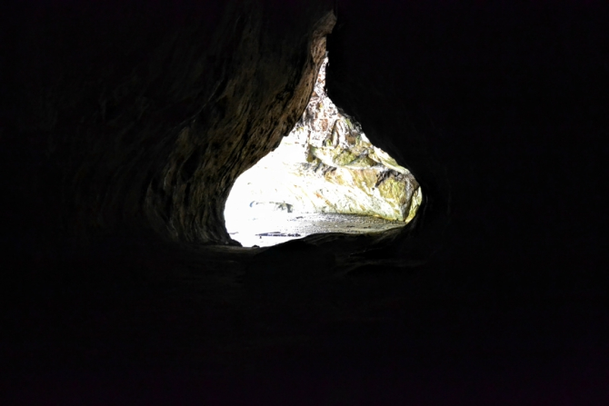 Peștera Bolii 5 - Peștera Bolii - un loc aparte din Țara Hațegului