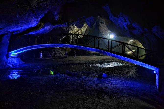 Peștera Bolii 8 - Peștera Bolii - un loc aparte din Țara Hațegului