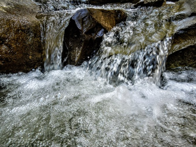 Cascada Caşoca 2 - Cascada Caşoca – sunetul apei din Masivul Podul Calului