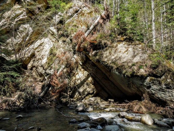 Cascada Caşoca 3 - Cascada Caşoca – sunetul apei din Masivul Podul Calului