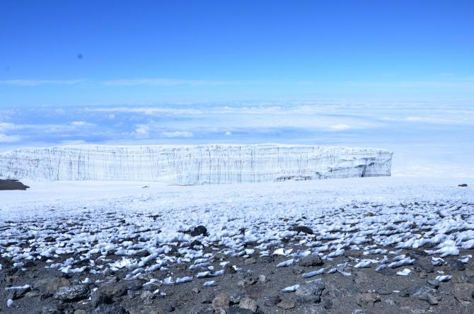 """Kilimanjaro 9 - Interviu cu Andrei Rădulescu - """"Un strop de fericire"""" pe Kilimanjaro"""