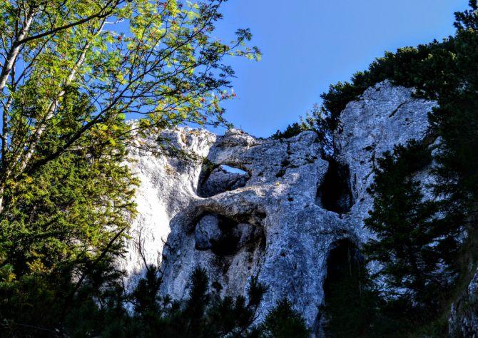 La Zăplaz 2 - Piatra Craiului și sculpturile de la Zăplaz