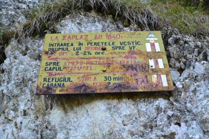 La Zăplaz 3 - Piatra Craiului și sculpturile de la Zăplaz
