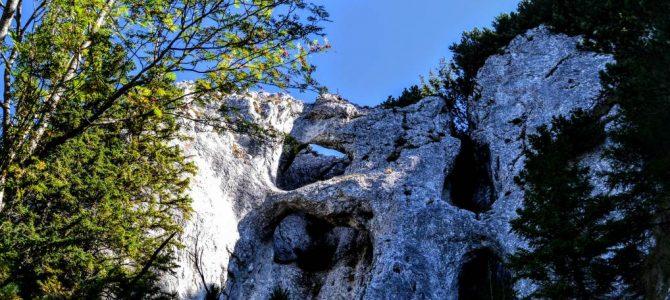 Piatra Craiului și sculpturile de la Zăplaz