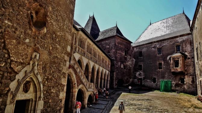 castelul corvinilor 6 - Castelul Corvinilor din Hunedoara