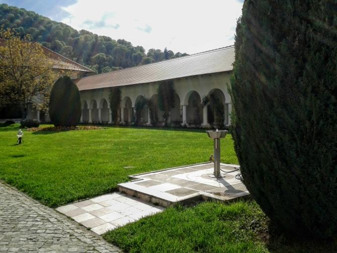 Mănăstirea Brâncoveanu 1 - Cabana Valea Sâmbetei - traseu de primăvară