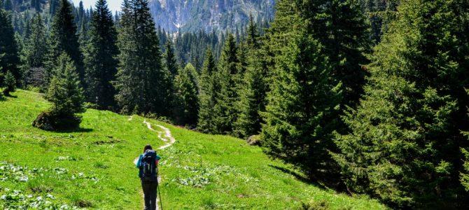 Ce trebuie să conţină rucsacul de munte?
