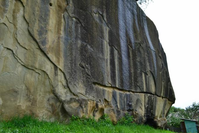 Corbii de Piatra 2 - Corbii de Piatră - biserica rupestră şi căsuţa din poveşti