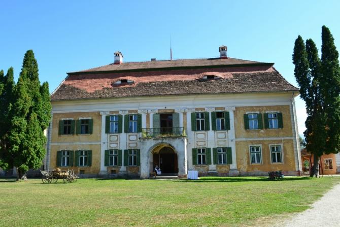 Brukenthal 6 - Brukenthal - palatul de la poalele Făgăraşului