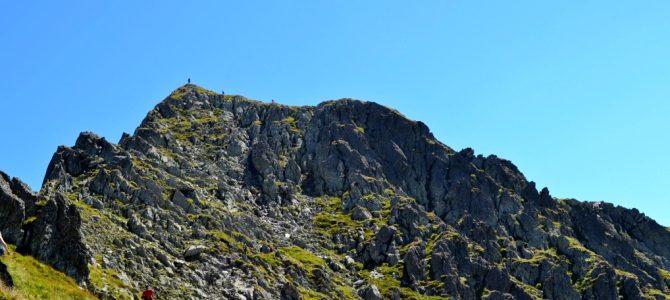 Vârful Negoiu – o drumeţie de neuitat în Făgăraş
