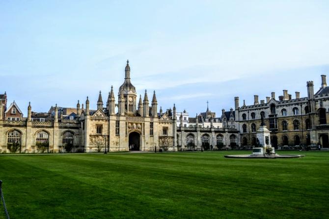 Cambridge 2 - Călătoriile Ioanei în... Marea Britanie