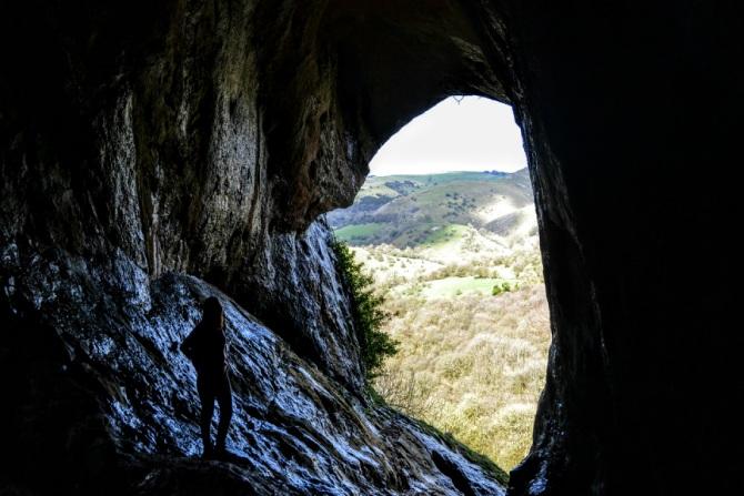 Thors Cave - Călătoriile Ioanei în... Marea Britanie