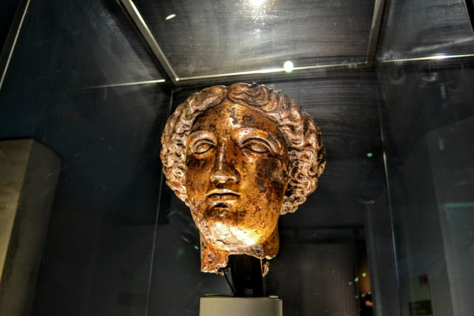 Băile romane Bath Zeita Minerva - Bath - pe urmele romanilor în Marea Britanie