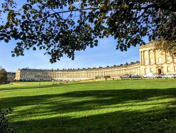 The Royal Crescent Bath - Bath - pe urmele romanilor în Marea Britanie