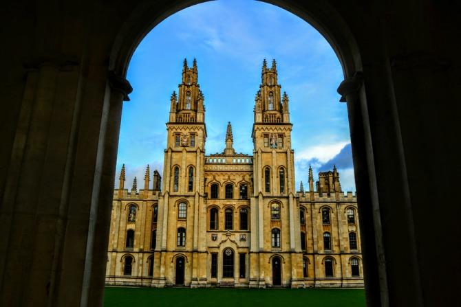 Oxford 6 - Oxford-oraşul celei mai vechi universităţi din Marea Britanie