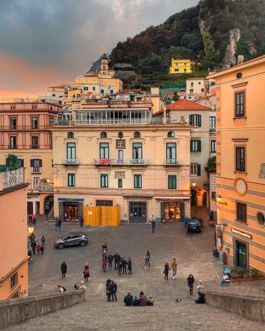 Amalfi 5 - Coasta Amalfi - paradis cu mireasmă de lămâie