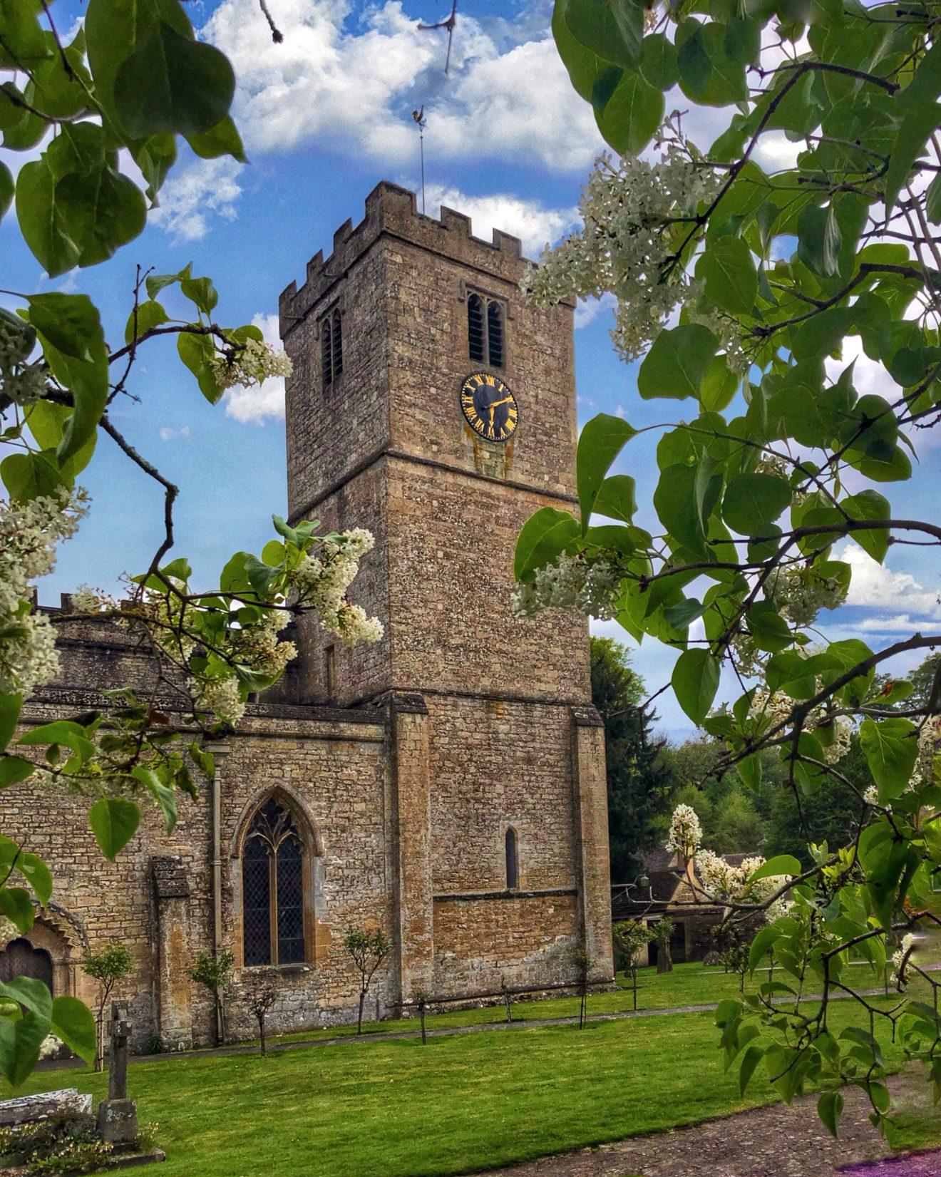 Cotswolds Bibury 2 1320x1651 - Cotswolds - cea mai pitoreasca regiune din Anglia