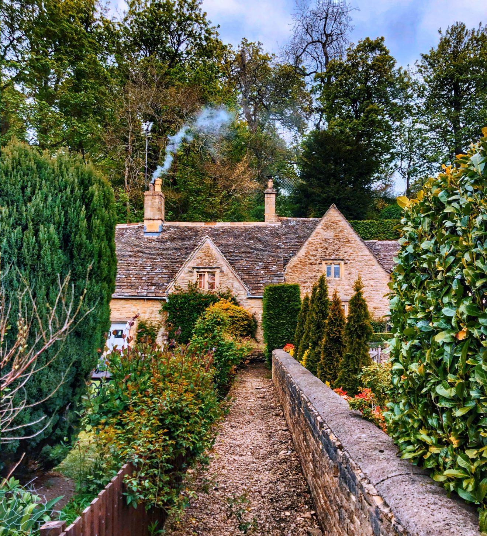 Cotswolds Bibury 6 copy 1320x1453 - Cotswolds - cea mai pitoreasca regiune din Anglia