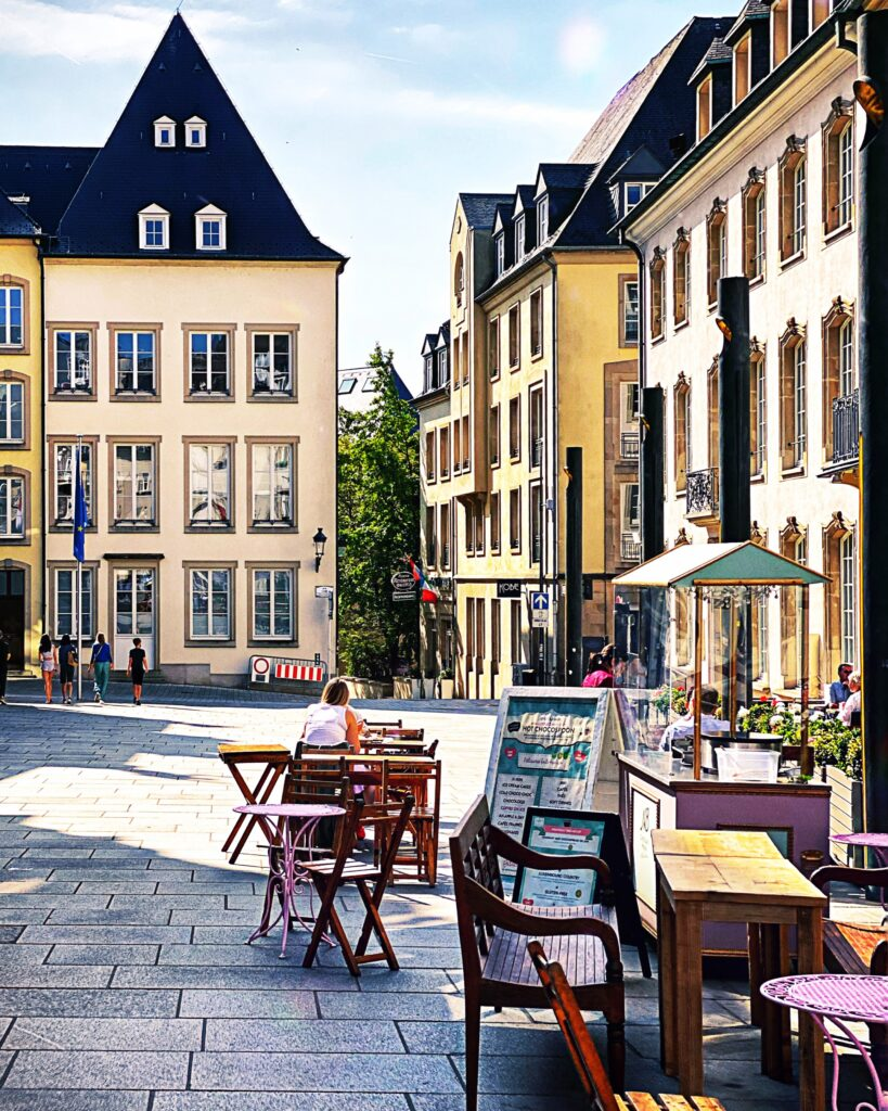 Luxembourg1 819x1024 - Destinație de călătorie - Luxemburg
